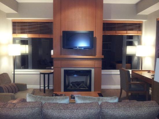 Westin Monache Resort Mammoth : Deluxe Suite, Living room