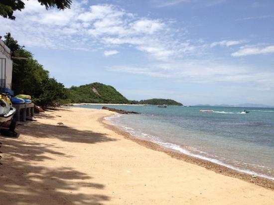 Pikun Resort: ชายหาดหน้ารีสอร์ท