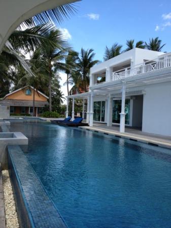 NishaVille Resort: härlig pool finns oxå