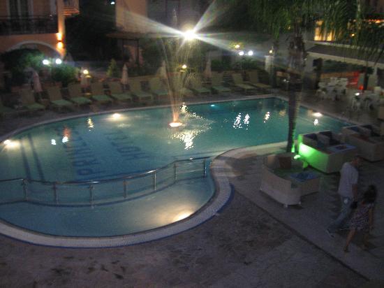 Smartline Princess Hotel: Nightime