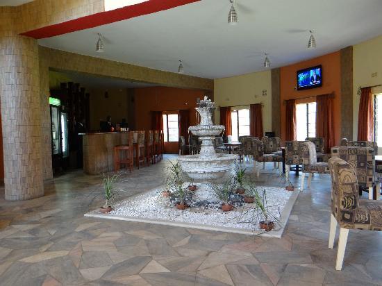 Blue Nile Inn Makeni: Downstairs Bar