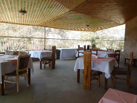 Blue Nile Inn Makeni: 2nd Floor Outside Dining Area