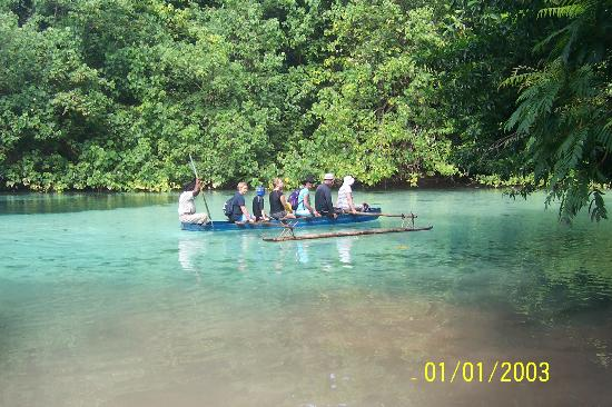 Paradise Tours Santo: Canoe to Blue Hole