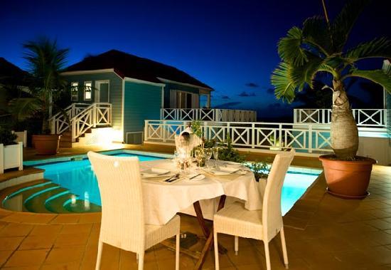 La Langouste: table piscine
