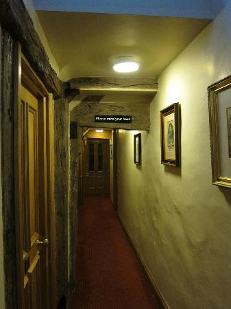 The Greyhound Inn: Room corridor