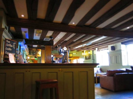 The Greyhound Inn: bar