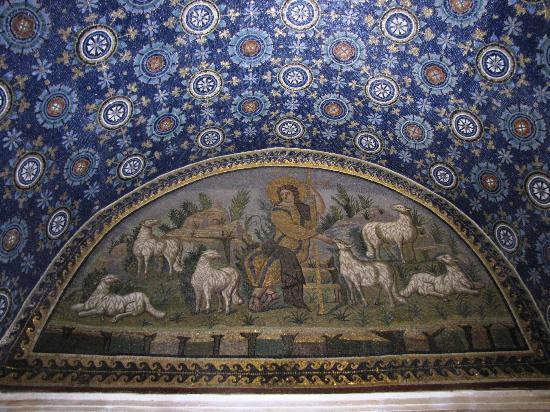 Mausoleo di Galla Placidia: un Cristo pastore con prospettiva e profondità