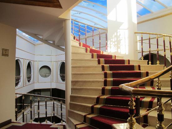 Best Western Antea Palace Hotel & Spa: Aufgang von Lobby