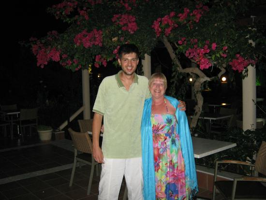 Tara Beach Hotel: Hotel Manager Yiannis and I in the gardens
