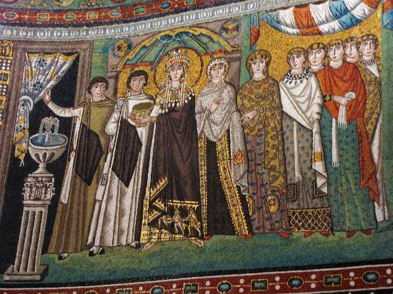Basilica San Vitale: un corteo regale