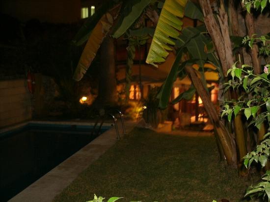 Hostal Lorca: Hotal Lorca Garden & Pool