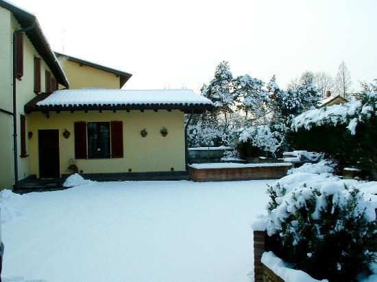 Il Sole Del Borgo : Inverno al Sole del Borgo, vista dal cortile