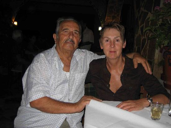 Manolis Taverna Restaurant: manolis 2012