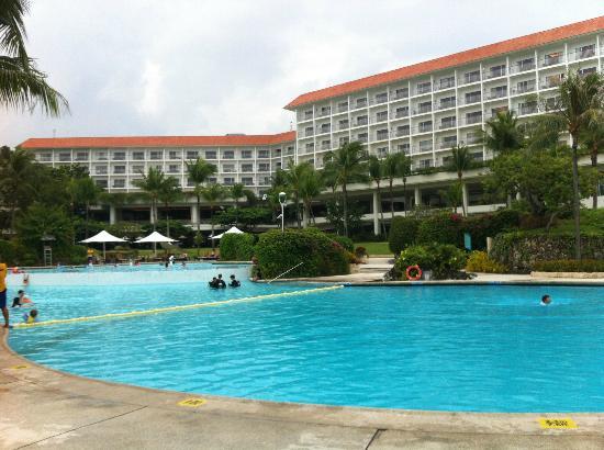 Shangri-La's Mactan Resort & Spa: Nice Pool