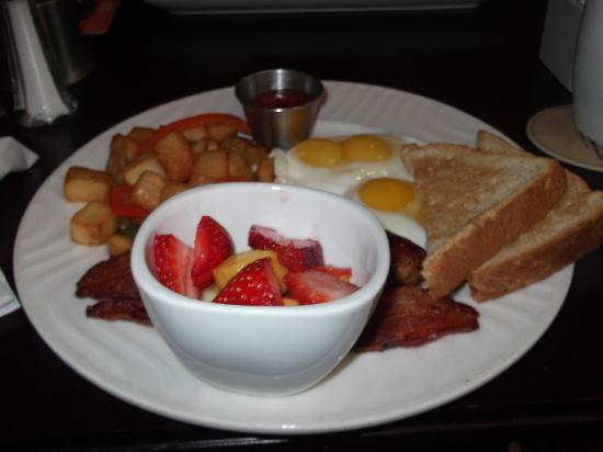 James Joyce Irish Pub : More of breakfast