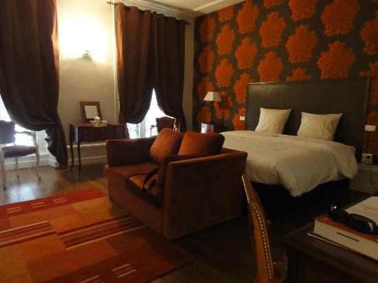 Le Jardin Des Lys: Room Lys Rouge