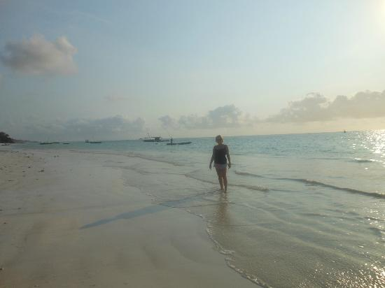 Almanara Luxury Villas: Morning walk on the gorgeous empty Beach
