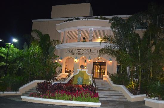 Hollywood Hotel: Back entrance