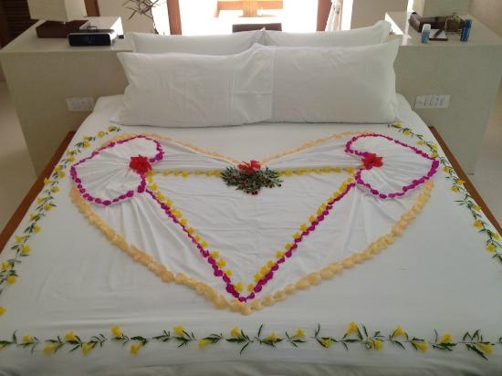 Conrad Maldives Rangali Island: Small surprises from our housekeeper!!