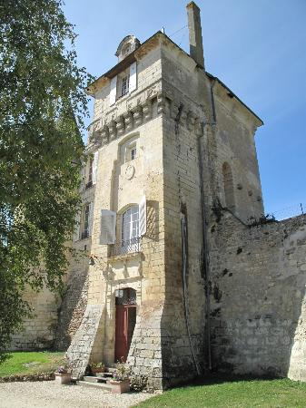 Chateau de La Celle Guenand: outside