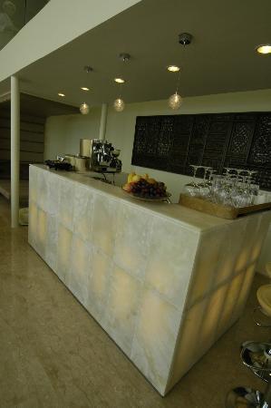 Villa Beige: cool bar