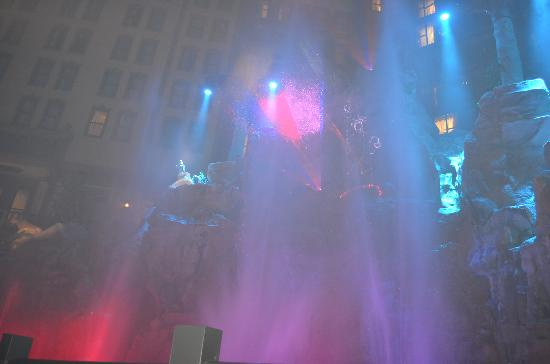 Sam's Town Hotel and Gambling Hall: Fountain show