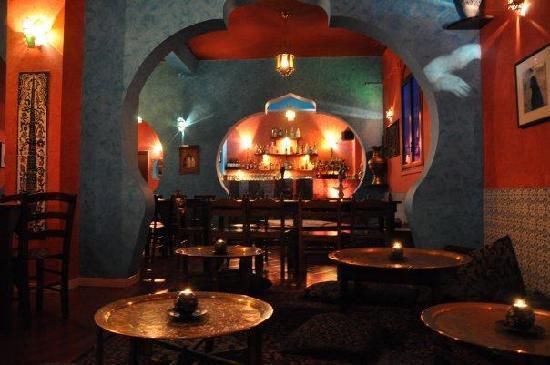 Bacheca per menù ristorante con illuminazione led realizzata in