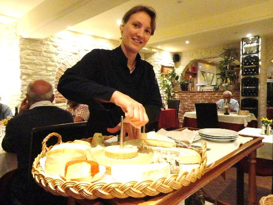 Au Bon Laboureur: Le plateau de fromage.