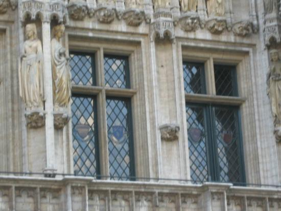 Town Hall (Hotel de Ville): Close up of window lead glazing