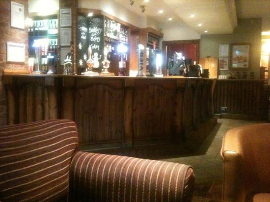 Brewers Fayre Castlewood: Armchair Theatre (worn)