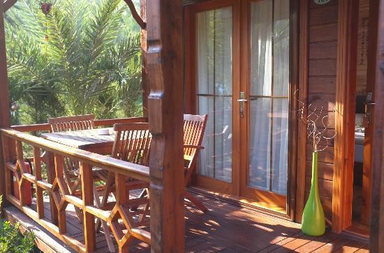 Aida Hotel: Terrace of Garden Bungalow