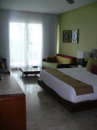 Mayan Palace Riviera Maya : Les deux chambres sont pratiquement pareille!! Mais tres tres confortable et très grandes