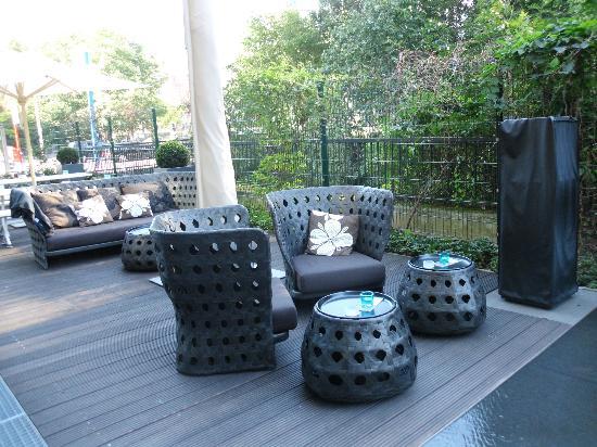 tv bild von motel one hamburg alster hamburg tripadvisor. Black Bedroom Furniture Sets. Home Design Ideas