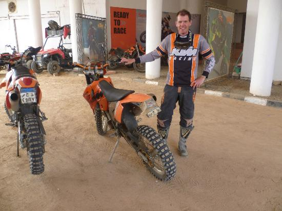 Ktm Egypt Calling Dakar Adventure Tours : Geared up and ready to go