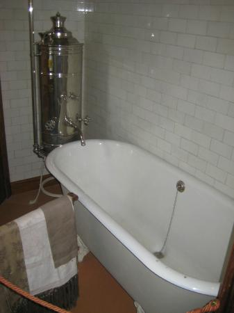 Horta Museum (Musee Horta): old fashioned tub