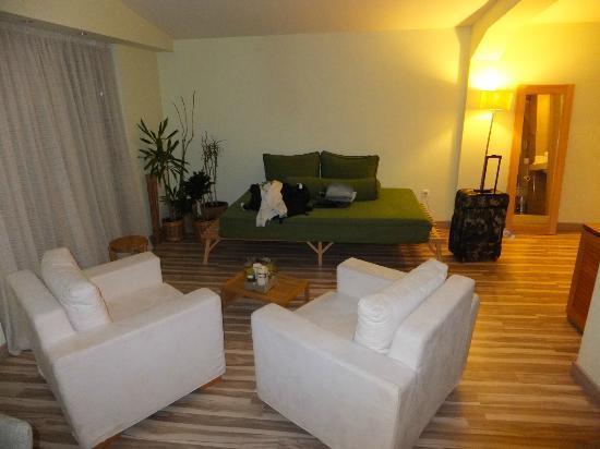 Corfu Mare Boutique Hotel: serenity suite : lounge