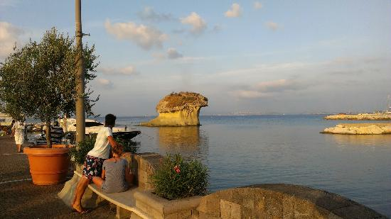 La Sirenella: the famous mushroom rock, 50 meters walk from the hotel