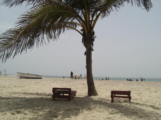 Kotu Beach rustig en zonnig