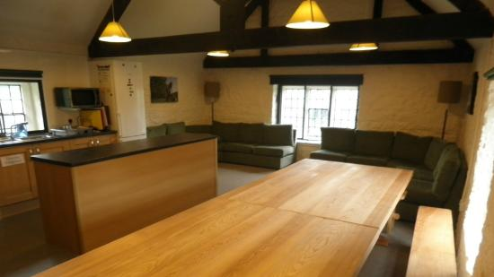 Lounge and dining area of Ilam Bunkhouse
