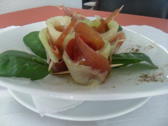 Restaurante Sabor & Tapas Bar : Delicious Parma ham with melon!! mmmm