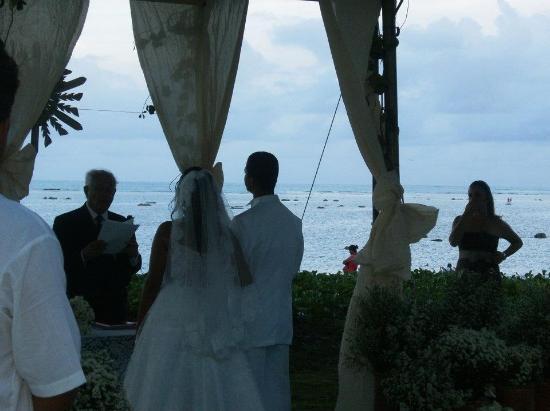 Albacora Praia Hotel : Casamento de minha prima,ficamos em 6 apartamentos e o hotel fez toca a ornamentação.perfeito