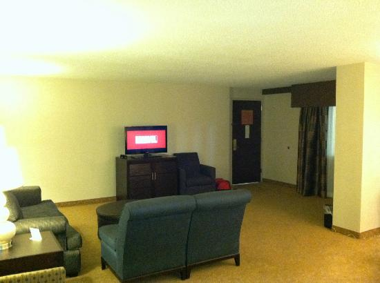 Embassy Suites by Hilton Raleigh - Crabtree : Lounge area