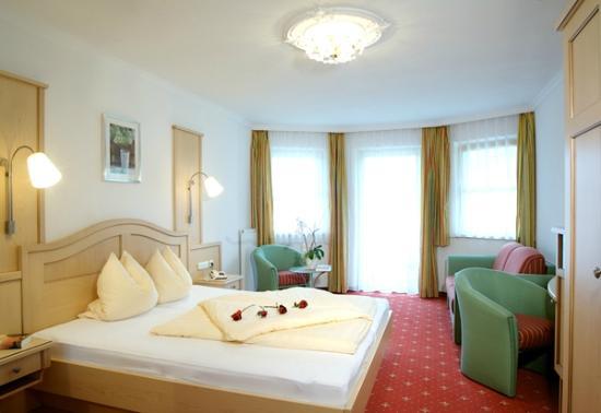 "Naturhotel Thalerhof: Doppelzimmer ""Bergblick"""