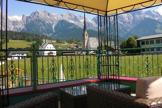 Naturhotel Thalerhof: Aussicht Terrasse