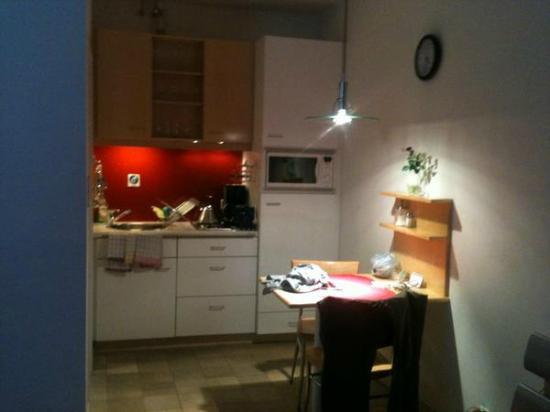 GAL Apartments Vienna: Kitchen