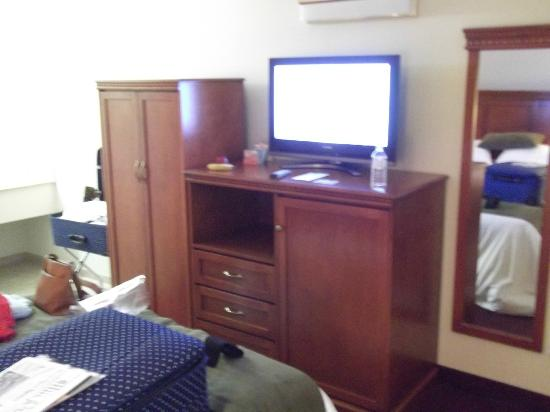 Riverland Inn & Suites: Inside the room