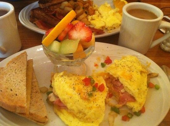 Christopher's: western omelet! yum!