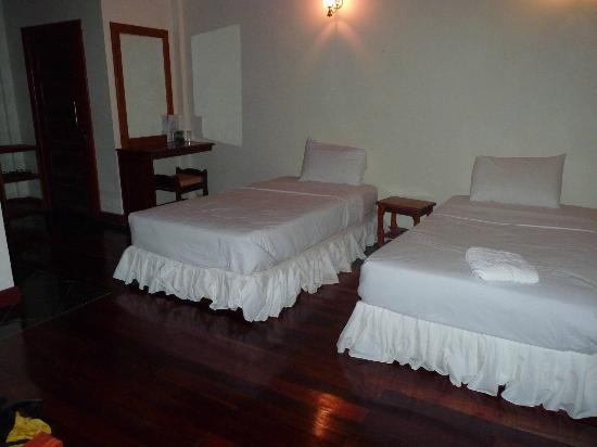 Baan E-Tu Waterfall Resort : Intérieur du chalet