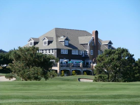 McMenamins Gearhart Hotel: View of Hotel from golf course