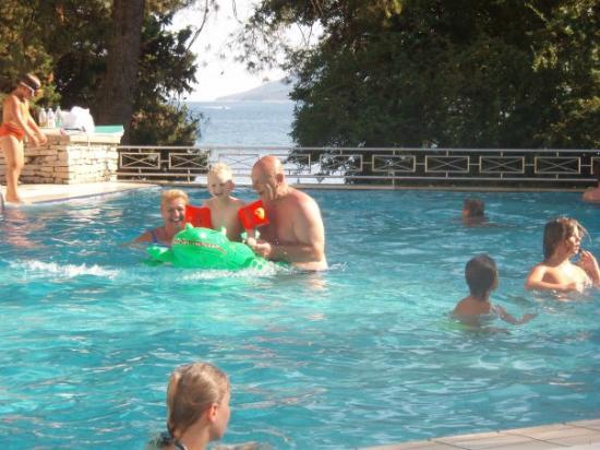 Marina Hotel: Zwembad ligt schitterend